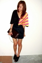 bugis street skirt - butterfly top from australia - vintage clutch - zu peep toe