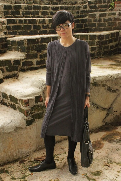 gray flea market dress - black CIAN shoes