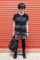 black giordano shirt - black Zara boots - Zara blazer - Zara shorts