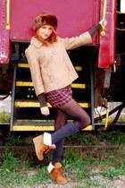 dark brown fur unknown hat - maroon plaid Abercrombie shorts