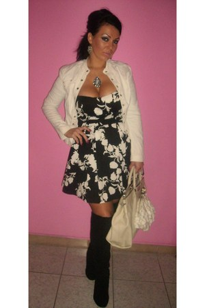 black leather boots - black dress - white leather marc acobs purse - light pink