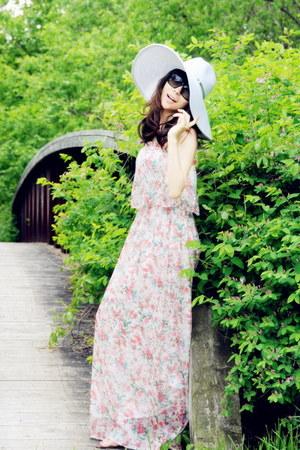 pink floral lulu dress - off white flppy San Diego Hat Co hat - black Prada sung