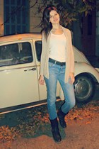 sky blue H&M jeans - dark brown Coolway boots - white Stradivairus top