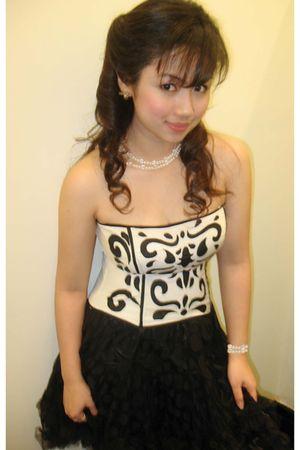 white Forever 21 top - black Forever 21 skirt - DIY accessories