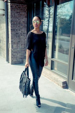 Aldo shoes - H&M leggings - Victorias Secret shirt - JustFab purse