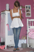 CC-OO top - H&M belt - Levis jeans - applechoice shoes - Evita Peroni accessorie