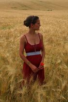 red empire taille CC- double O dress - red hairband Evita Peroni accessories