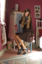 brown gold glitter Mango sweater - blue mary jane pumps Deichmann shoes