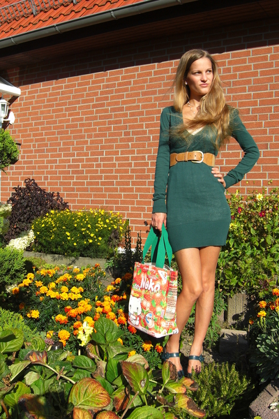 brown H&M belt - blue mary jane pumps shoes - green sweater Tally Weijl dress