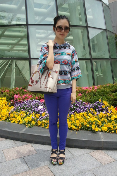 blue Forever21 jeans - camel Love Moschino bag - tawny bvlgari sunglasses - navy