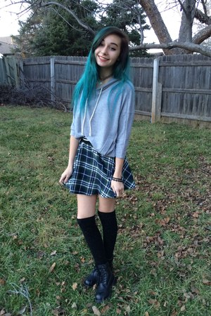 black knit high knee socks - forest green plaid unknown skirt