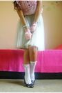 White-handmade-socks-pink-handmade-gloves