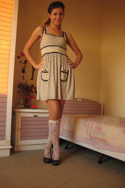 beige H&M dress - beige random brand stockings