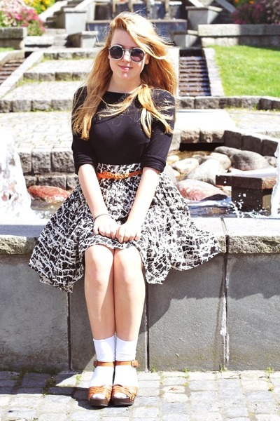 GINA TRICOT skirt - united colors of benetton dress - weekday sunglasses