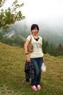 Nt-1400-lazy-daisy-jacket-nt-590-my-my-bag-nt-99-net-t-shirt-nt-199-net-br