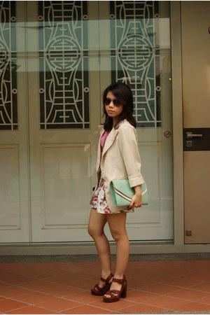 platform H&M heels - blazer - floral print shorts