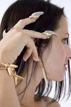 heather gray diamond nails ring