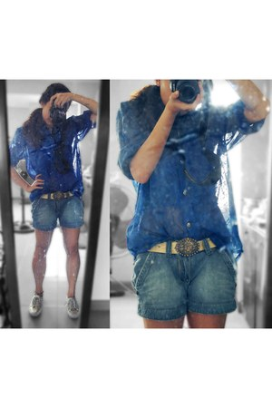 navy denim shorts - gold glitter People are People belt - blue sheer top - gold