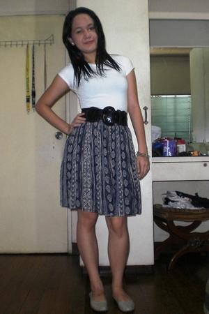 Topshop t-shirt - tiangge belt - my granmas closet skirt - SM shoes