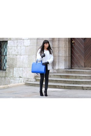 blue H&M bag