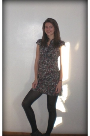 DKNY dress - Marc by Marc Jacobs necklace - Betsey Johnson tights - Nordstrom bo