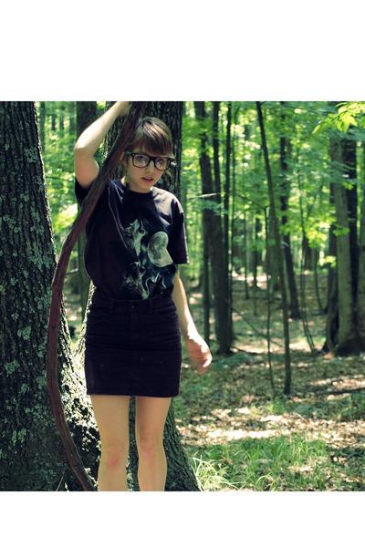 The Mountain shirt - H&M skirt - aerosoles shoes