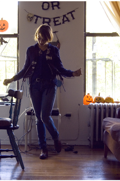 brown Topshop shoes - blue H&M top - blue H&M jeans - black American Apparel top