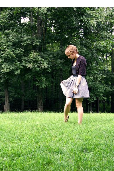 b&w American Apparel skirt - gold aerosoles shoes - black H&M jacket