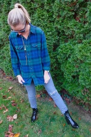 Eddie Bauer top - Zara boots - H&M jeans - vintage necklace