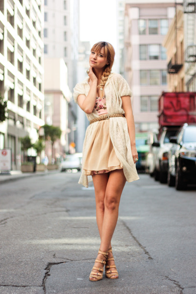 beige surface to air shoes - pink threadsence dress