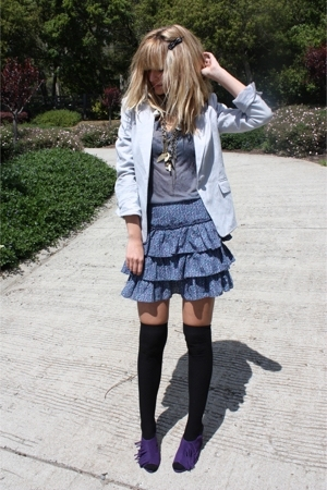 Chinese Laundry shoes - Urban Outfitters skirt - H&M blazer - H&M stockings - sh