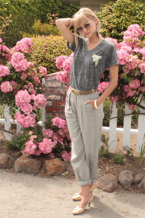 gray vintage urban shirt - beige vintage shoes - gray thrifted pants