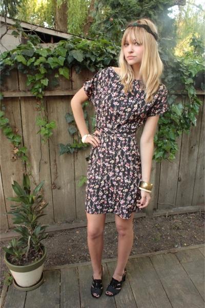 DIY accessories - Zara dress - DSW shoes - vintage accessories