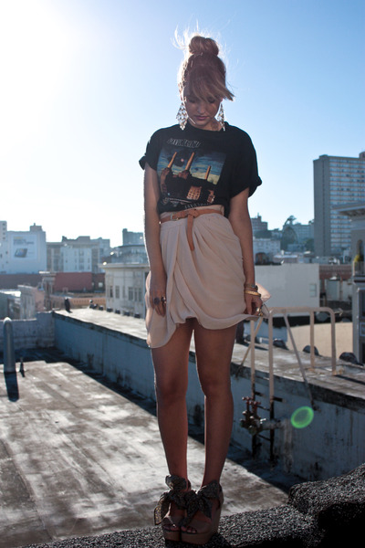 black vintage t-shirt - beige Gap shoes - beige storets skirt - beige H&M belt