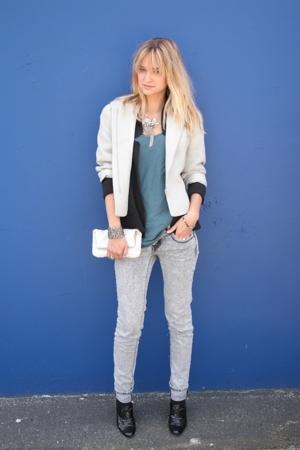 emporio armani blazer - tiff shirt - Urban Outfitters sweater - vintage purse -