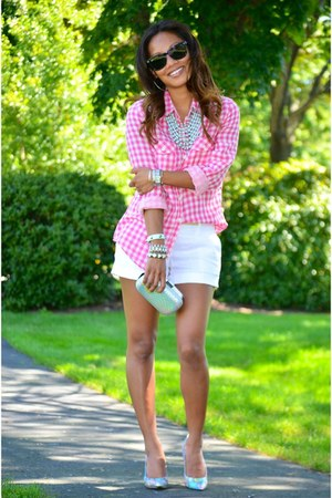bubble gum gingham H&M shirt