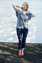 silver Urban Outfitters t-shirt - blue 7 for all mankind jeans - red Primark sho
