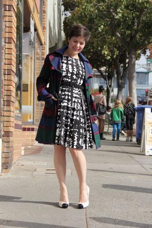 black Eva Franco dress - white Guess heels