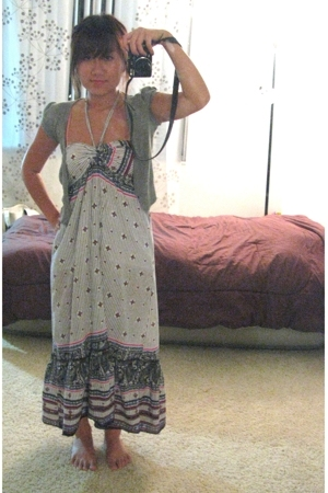 dress -