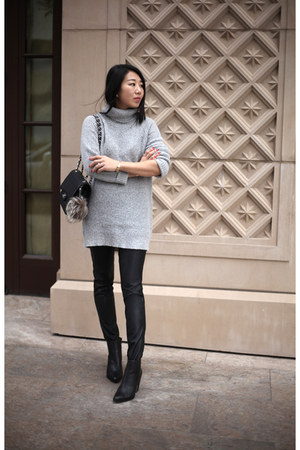 Chanel bag - Aldo boots - Forever 21 sweater - faux leather Sheinside leggings