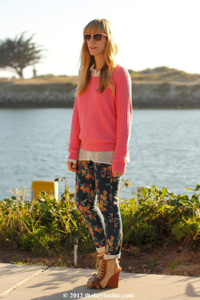 flower print Mossimo jeans - Topshop boots - H&amp;M sweater