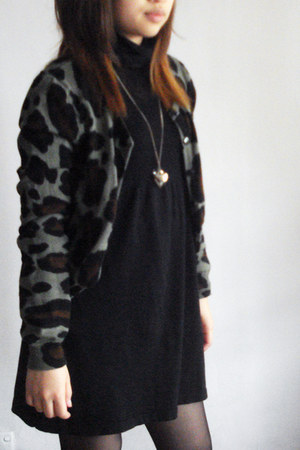 black dress - dark green leopard print cardigan - gold heart shaped necklace