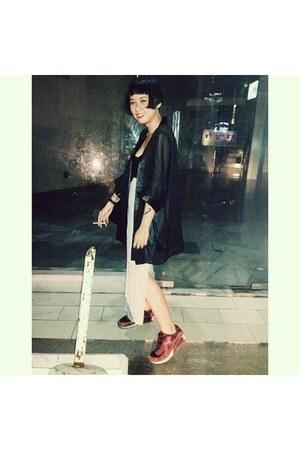 black kimono jacket - crimson nike sneakers - black Forever 21 bodysuit