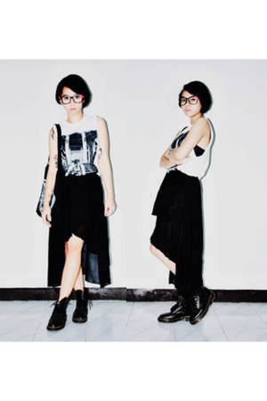 black Dr Martens boots - black romwe skirt - white ARENA XPRNC t-shirt