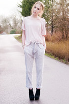 black suede Jeffrey Campbell wedges - grey bowed GinaTricot pants - H&M t-shirt