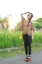black Retail Therapy Jakarta clogs - chartreuse platform bag