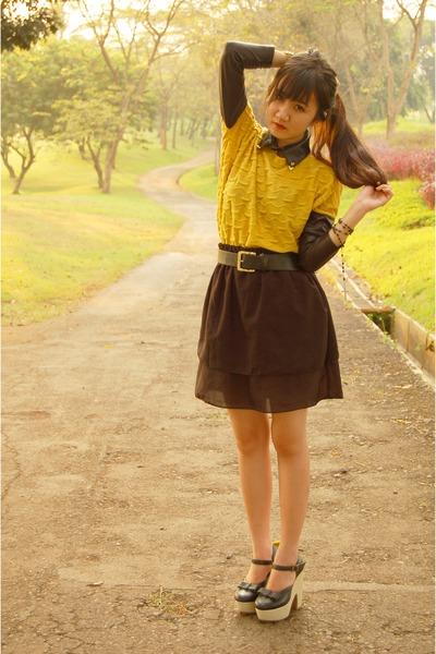 black self tailored skirt - black mary janes junejulia heels