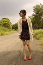 forest green dress - ivory long cardigan cardigan - red wedges