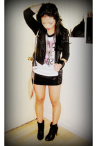 black online boots - beige H&M bag - black f21 skirt