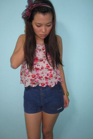 pink top - blue thrifted shorts - gold casio accessories - red cotton on scarf